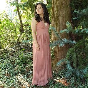 Formal Lulu's Maxi Pleated Dress